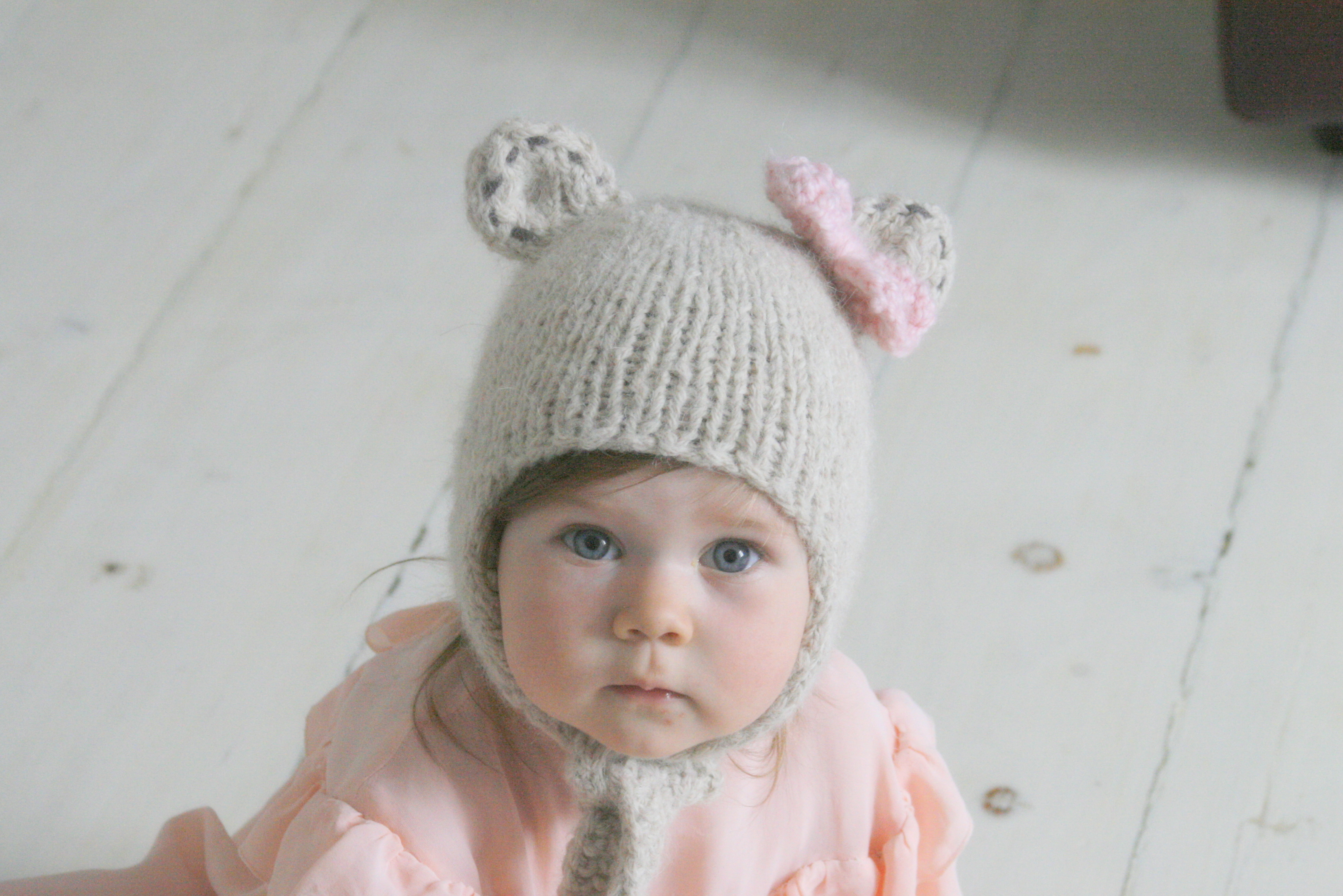 KNITTING PATTERN Baby Bear Bow Earflap Hat Nalle on Luulla